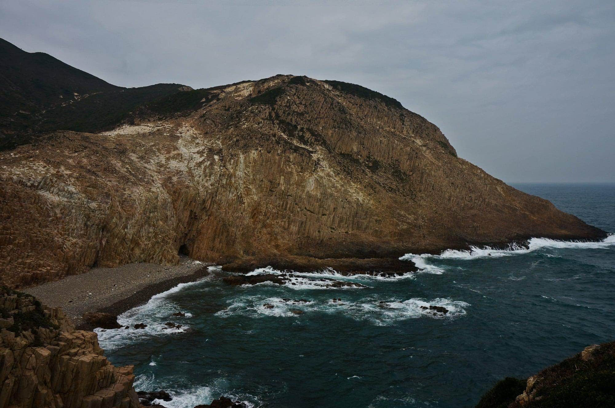 Hexagonal Volcanic Rock at Fa Shan 花生萬柱海岸