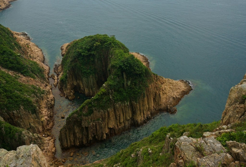 Whale Wagging Tail, Kam Chung Ngam (金魚擺尾, 吊鐘岩) at Tiu Chung Chau (Jin Island)