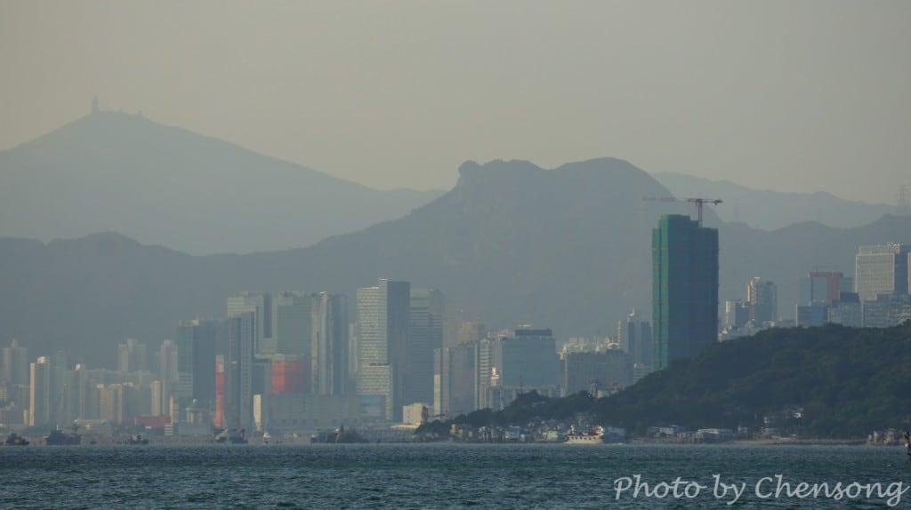 Lion Rock seen from Lei Yue Mun | 鯉魚門望獅子山