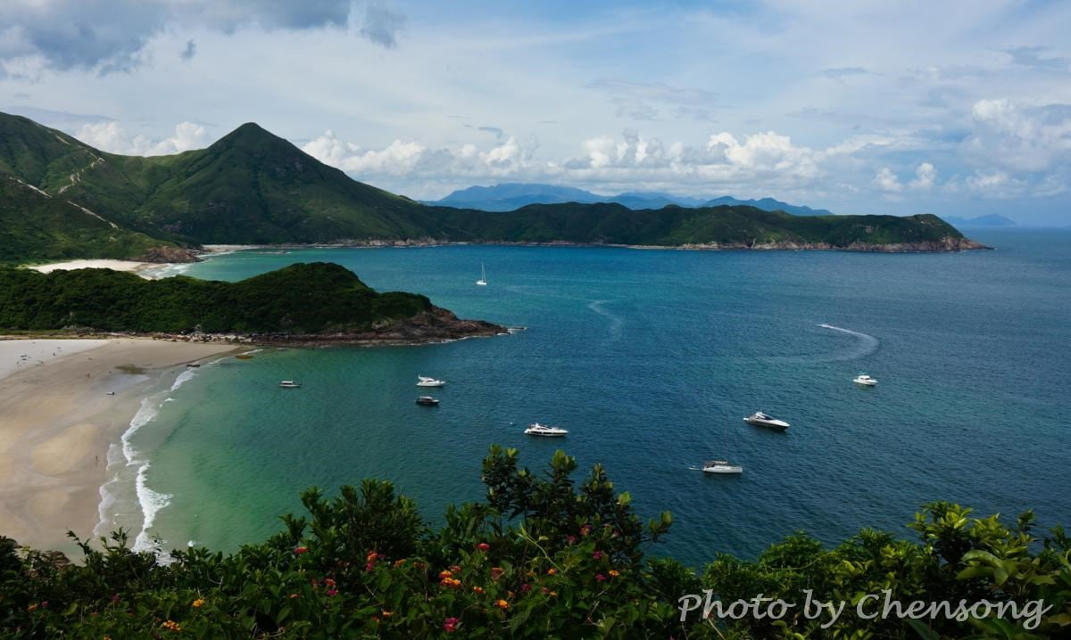 Big Wave Bay at Sai Kung (Photo by Chensong)