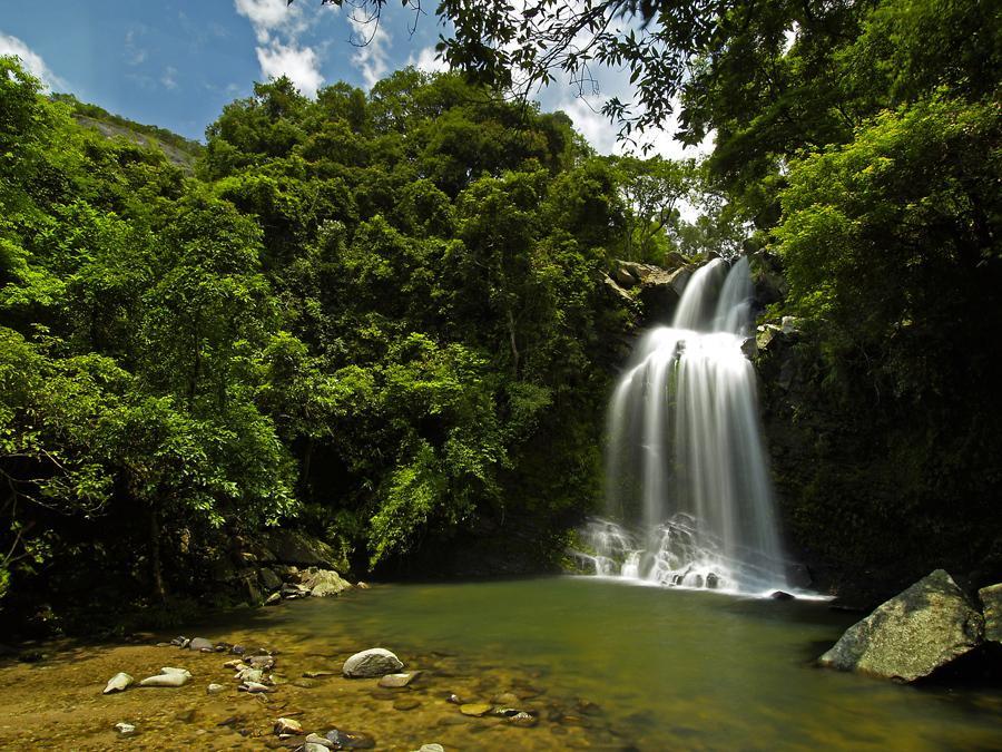 Bride's Pool Waterfall | 船灣大美督新娘潭瀑布