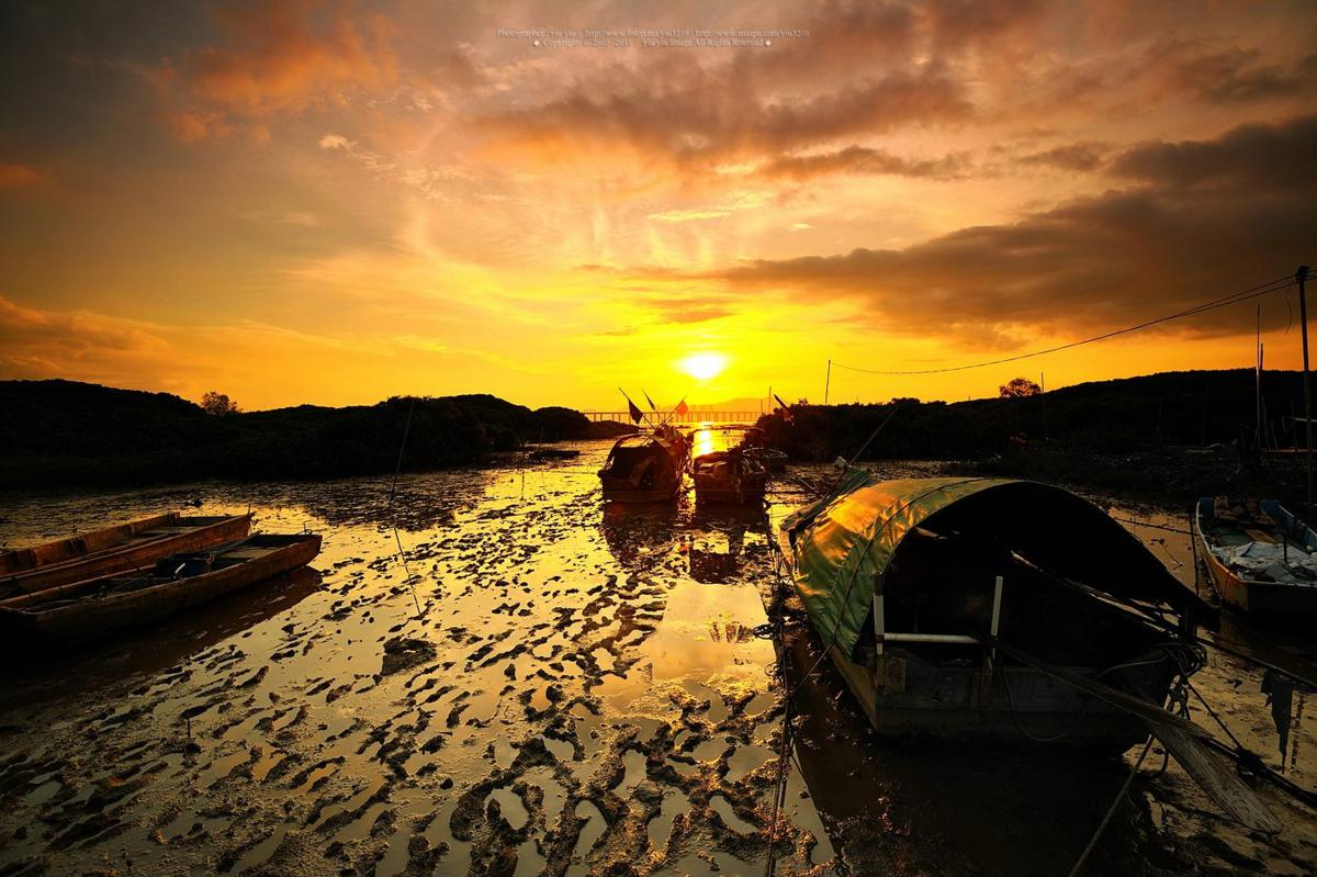 Sunset at Lau Fau Shan