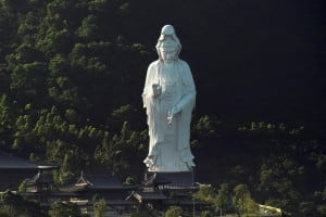 World's Tallest Bronze Statue Of Guanyin at Chi Shan Temple built by Li Ka-Shing 慈山寺觀音像
